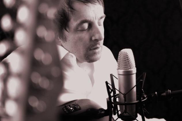 Massimo Pelliccia Singer Musiker Songwriter Buxtehude Hamburg Germany